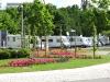 Blick über den Verteilerkreis zum Stellplatz 1 - Mersburg-Allmend