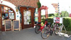 Café mit Open-Air-Terrasse