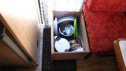 Roll-Schublade unter 1. Sitz